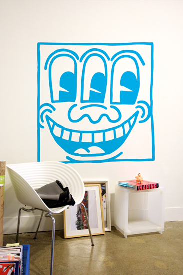 Keith Haring Wall Decals: Untitled Face Blue Giant Wall Sticker only on Stickboutik.com - 1/3